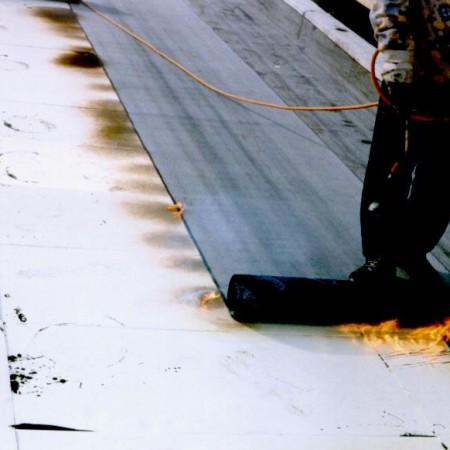 posa membrana bituminosa su terrazzo